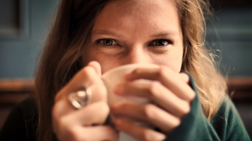 20150306162010-truth-about-successful-woman-smiling-happy-coffee-cup-drinking-eyes